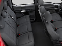 2018 Ford Chassis Cab F-350 XLT | Photo 2 | Medium Earth Grey Cloth Split Bench (3S)