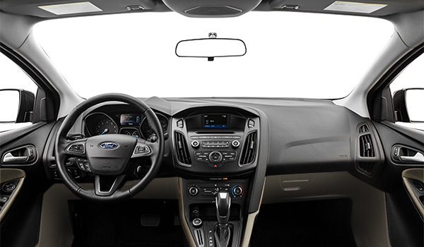 2017 Ford Focus Sedan SE | Photo 3 | Medium Light Stone Premium Cloth