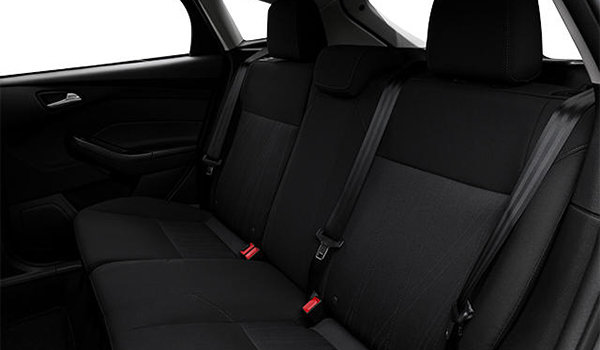 2018 Ford Focus Hatchback SEL | Photo 2 | Charcoal Black Premium Cloth