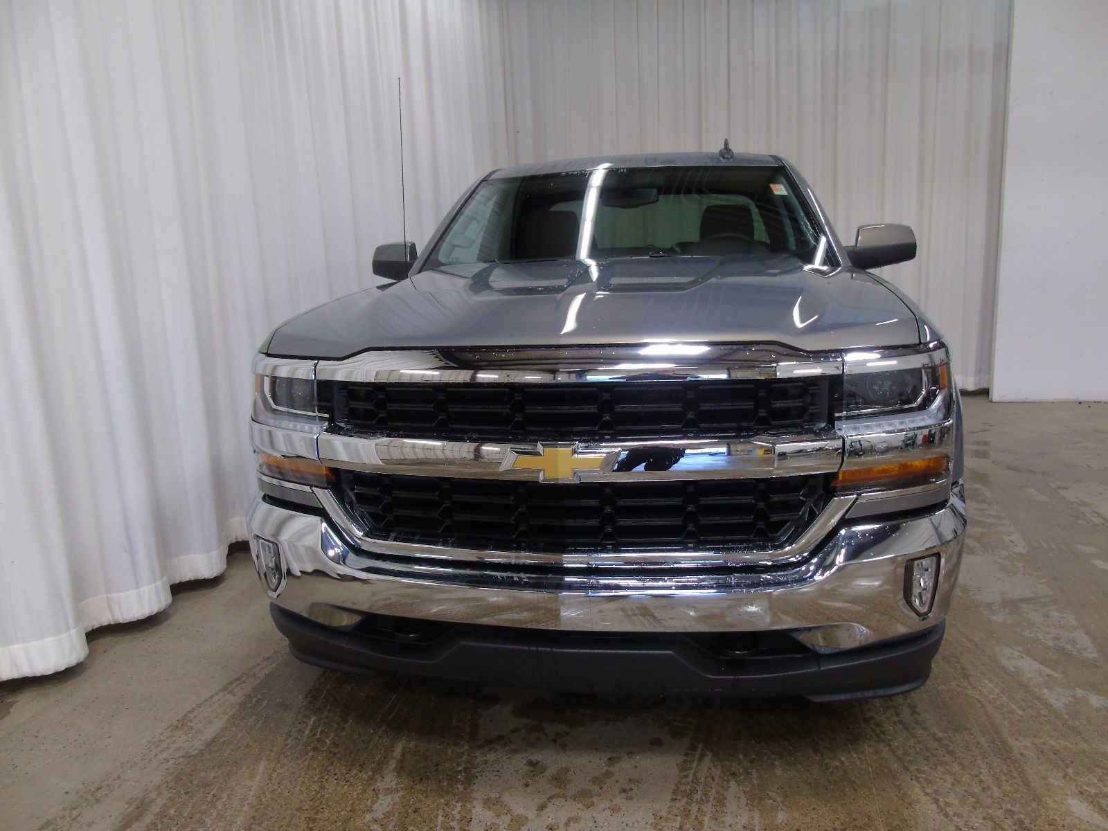 new 2017 chevrolet silverado 1500 lt 5 3l 8 cyl automatic 4x4 extended cab in middleton gd17081. Black Bedroom Furniture Sets. Home Design Ideas