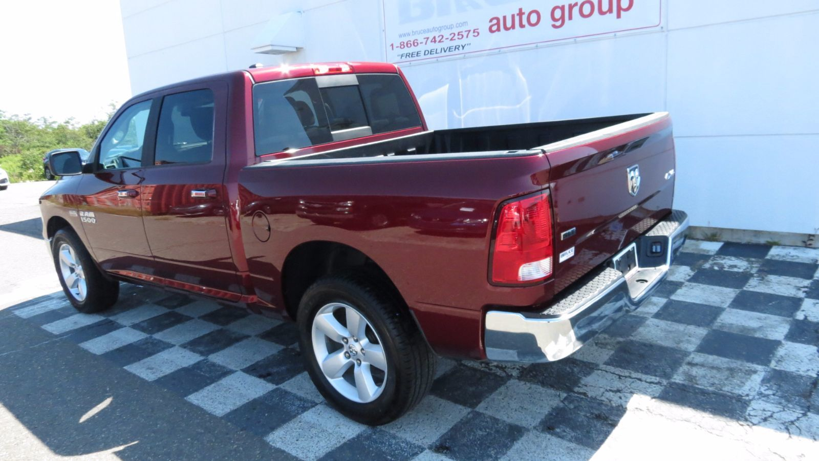 used 2017 dodge ram 1500 slt 5 7l 8 cyl automatic 4x4 crew cab in middleton h17302a. Black Bedroom Furniture Sets. Home Design Ideas