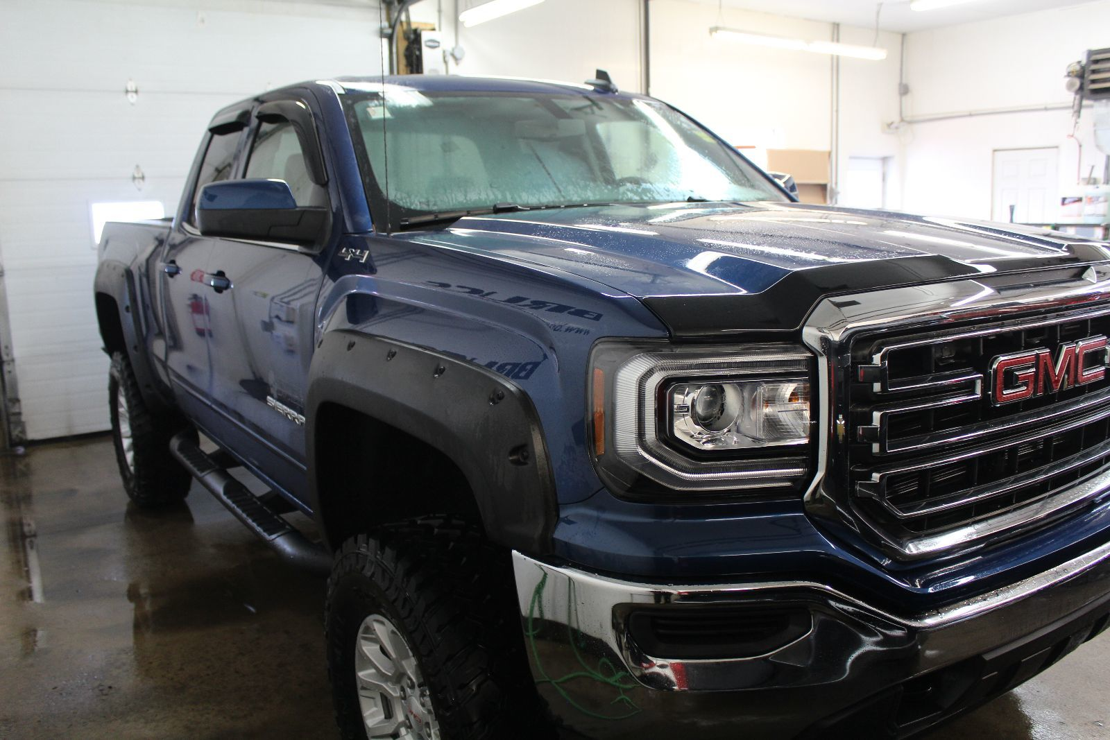 new 2017 gmc sierra 1500 sle 5 3l 8 cyl automatic 4x4 extended cab in middleton g17672. Black Bedroom Furniture Sets. Home Design Ideas