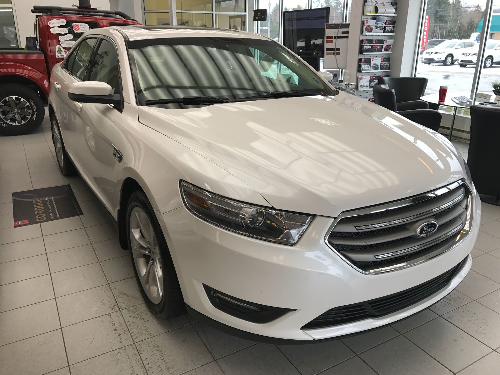 Used 2013 Ford Taurus SEL in Kentville Used inventory Kentville