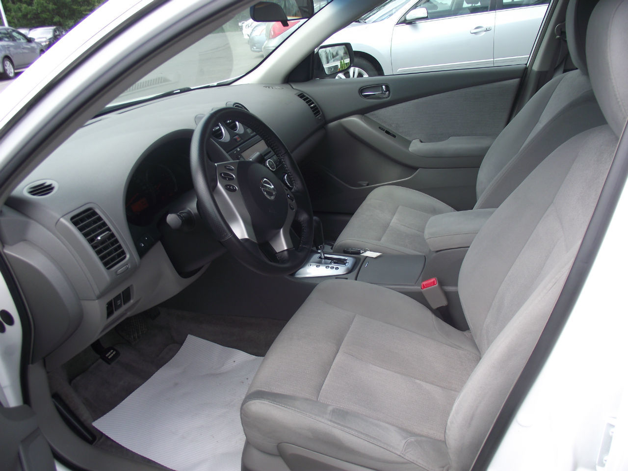 Used 2010 nissan altima 2 5 s in kentville used inventory kentville mazda in kentville nova for 2010 nissan altima interior accessories
