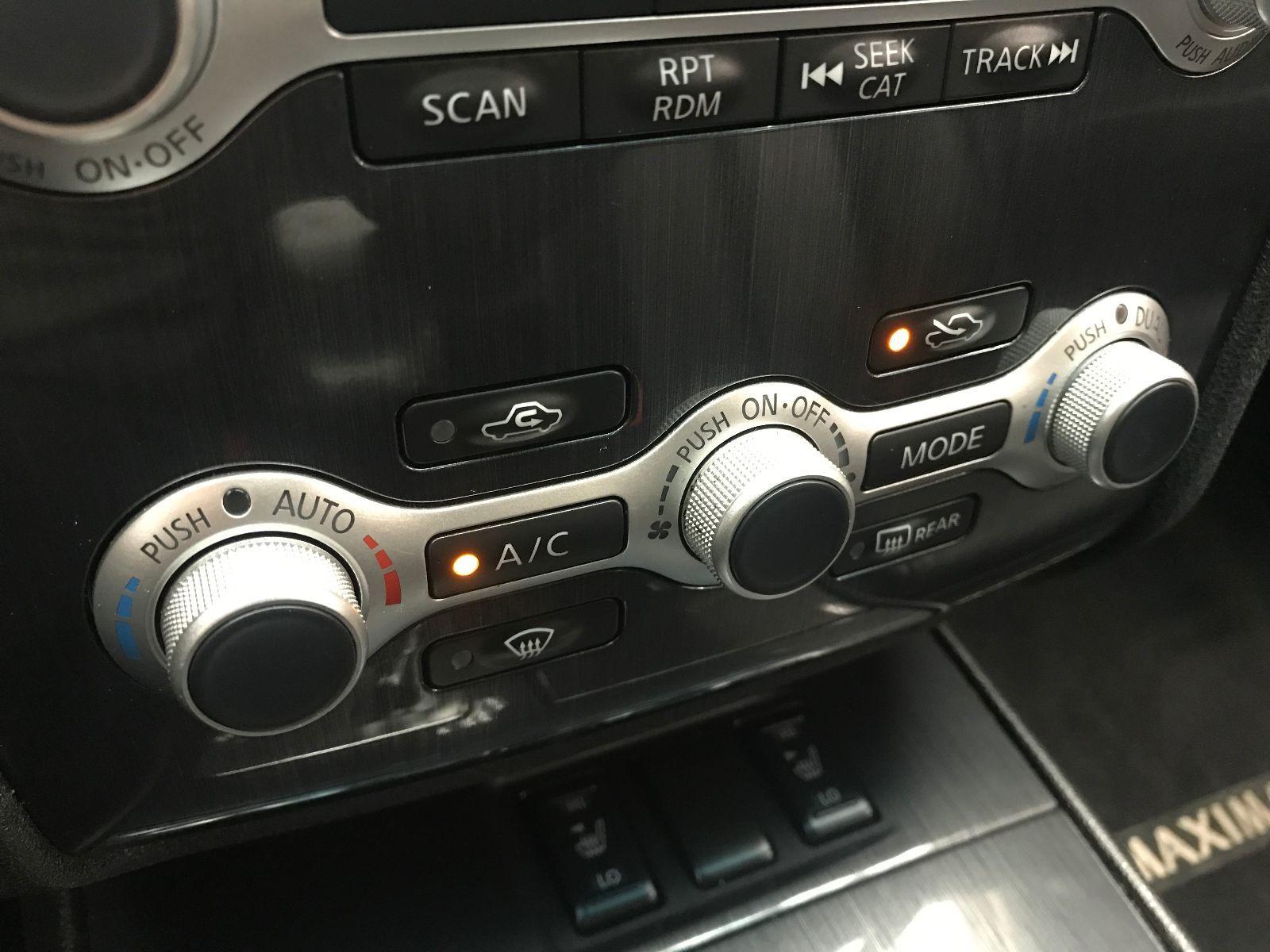 2013 Nissan Maxima SV   Img #32