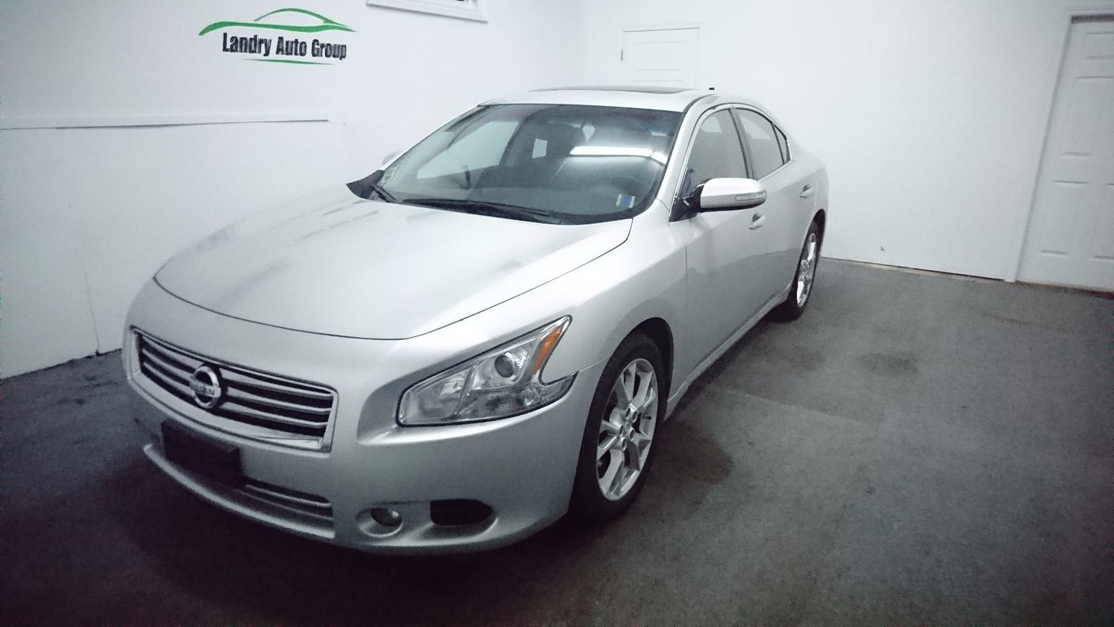 902 auto sales used 2014 nissan maxima for sale in dartmouth kn 408. Black Bedroom Furniture Sets. Home Design Ideas
