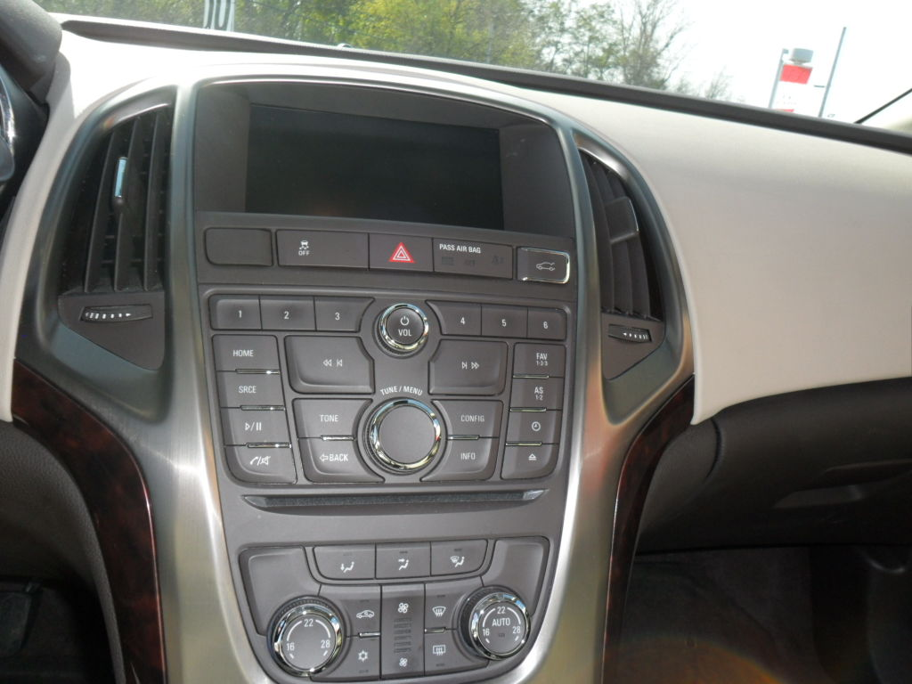 pre owned 2013 buick verano in brockville used inventory. Black Bedroom Furniture Sets. Home Design Ideas
