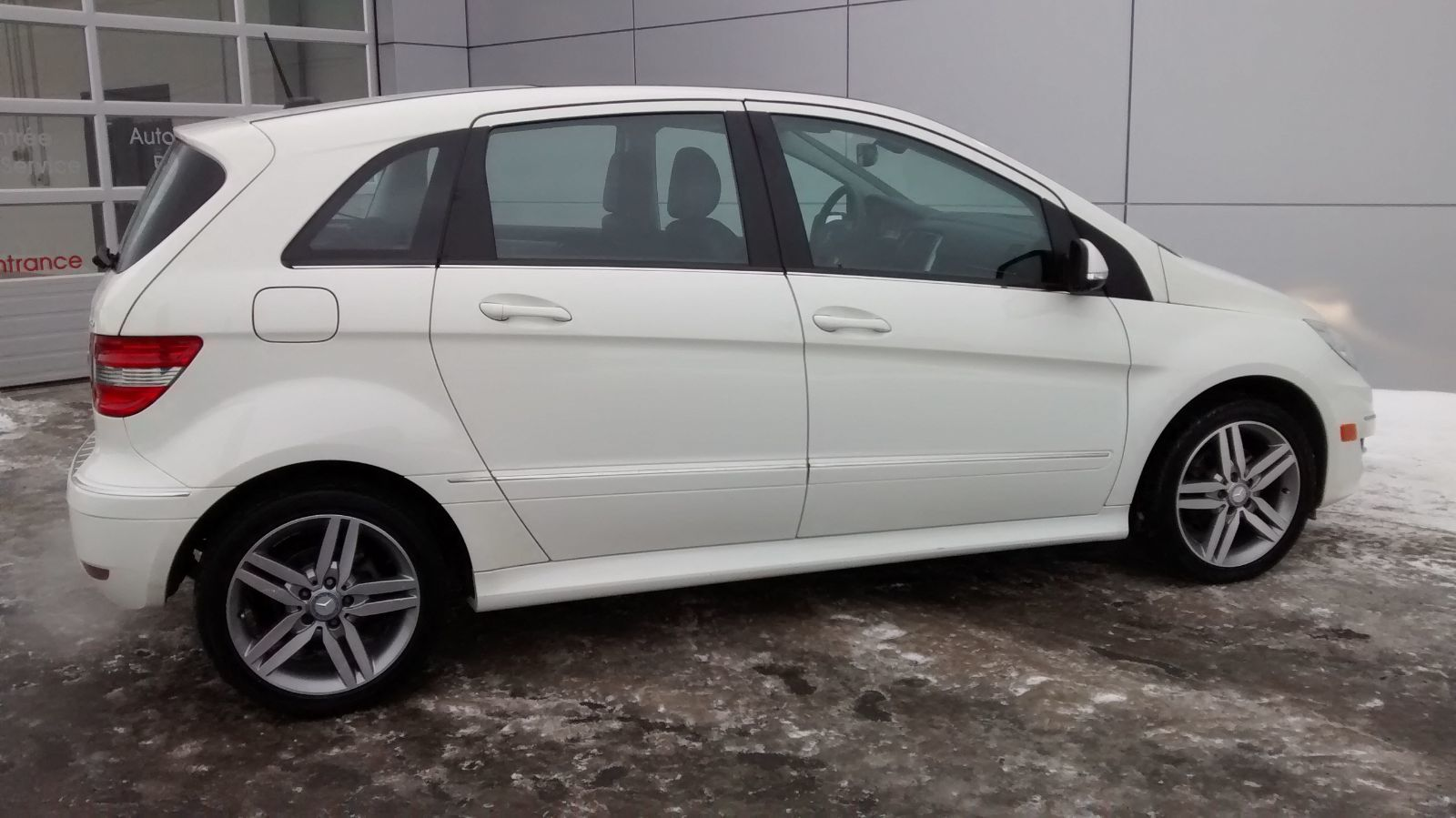 Pre owned 2011 mercedes benz b200 turbo in ottawa used for Mercedes benz chandler inventory