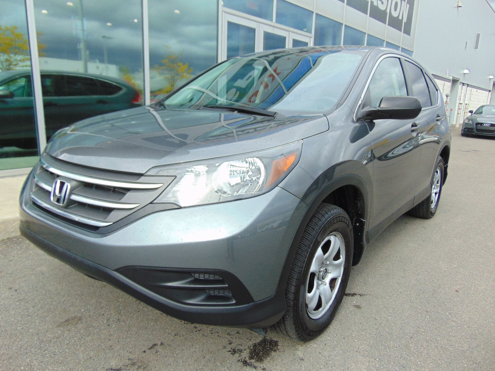 Used 2013 honda cr v deal pending lx awd in montreal for Honda used inventory