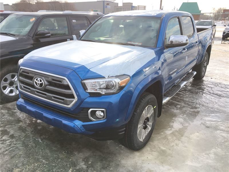 new 2017 toyota tacoma for sale in montreal groupe spinelli in montreal quebec. Black Bedroom Furniture Sets. Home Design Ideas