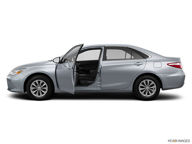 new 2015 toyota camry hybrid le for sale in pincourt. Black Bedroom Furniture Sets. Home Design Ideas