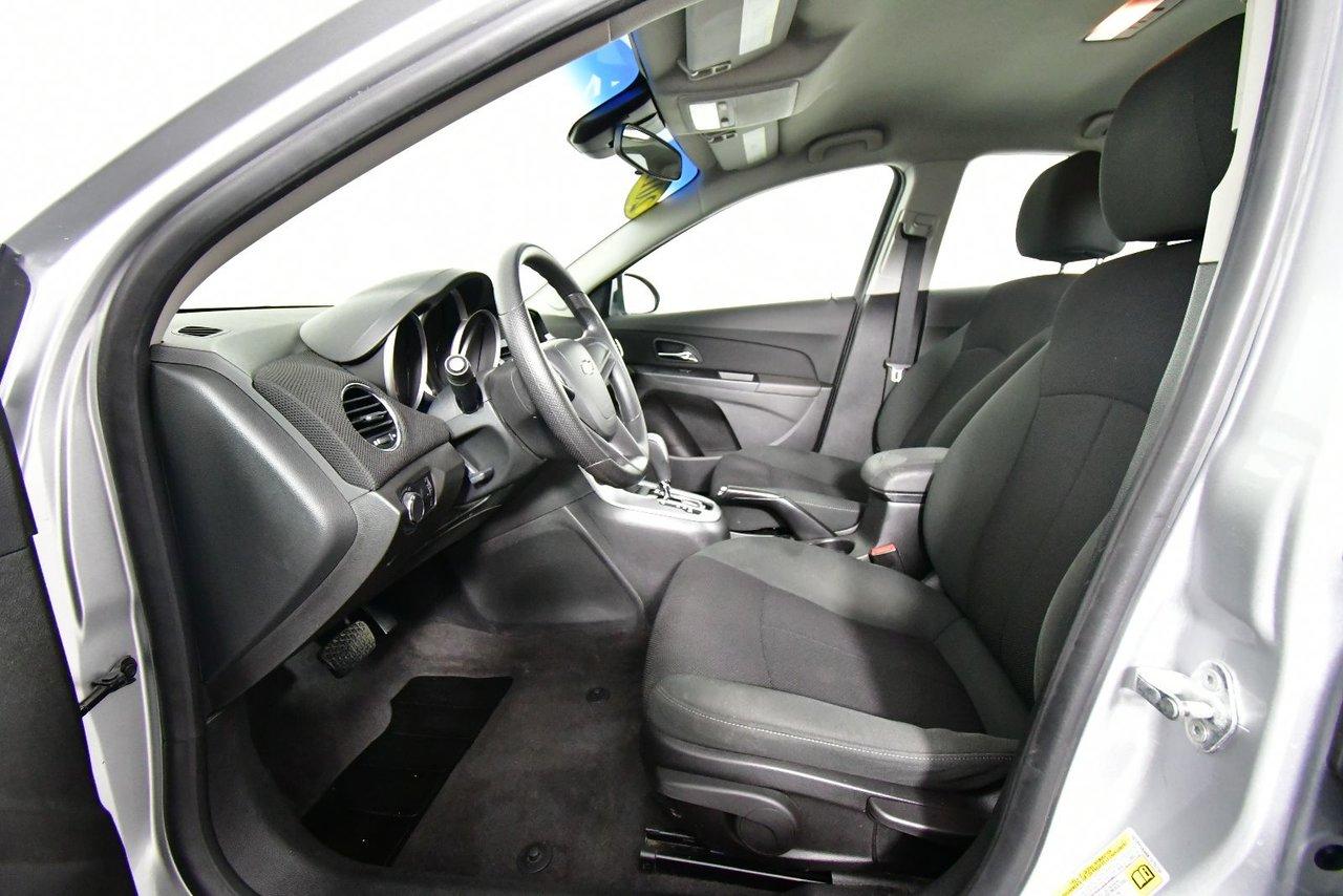 Photo 2011 Chevrolet Cruze LT Turbo w/1SA