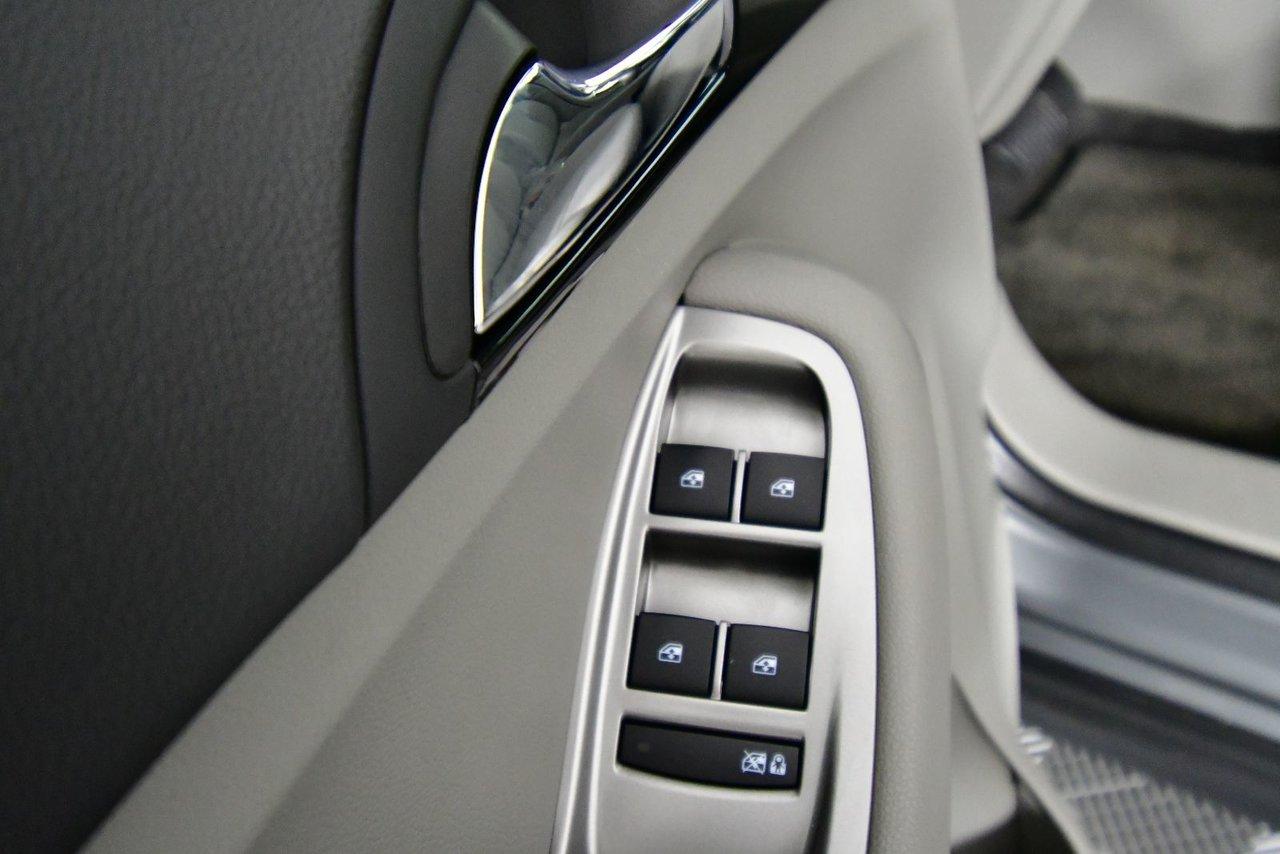 Photo 2012 Chevrolet Orlando 1LT. New MVI, New tires.