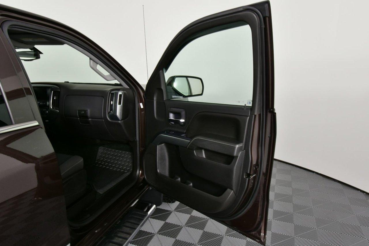 Photo 2016 Chevrolet Silverado 1500 LT. Extended Cab, NAV, Satellite Radio 4x4