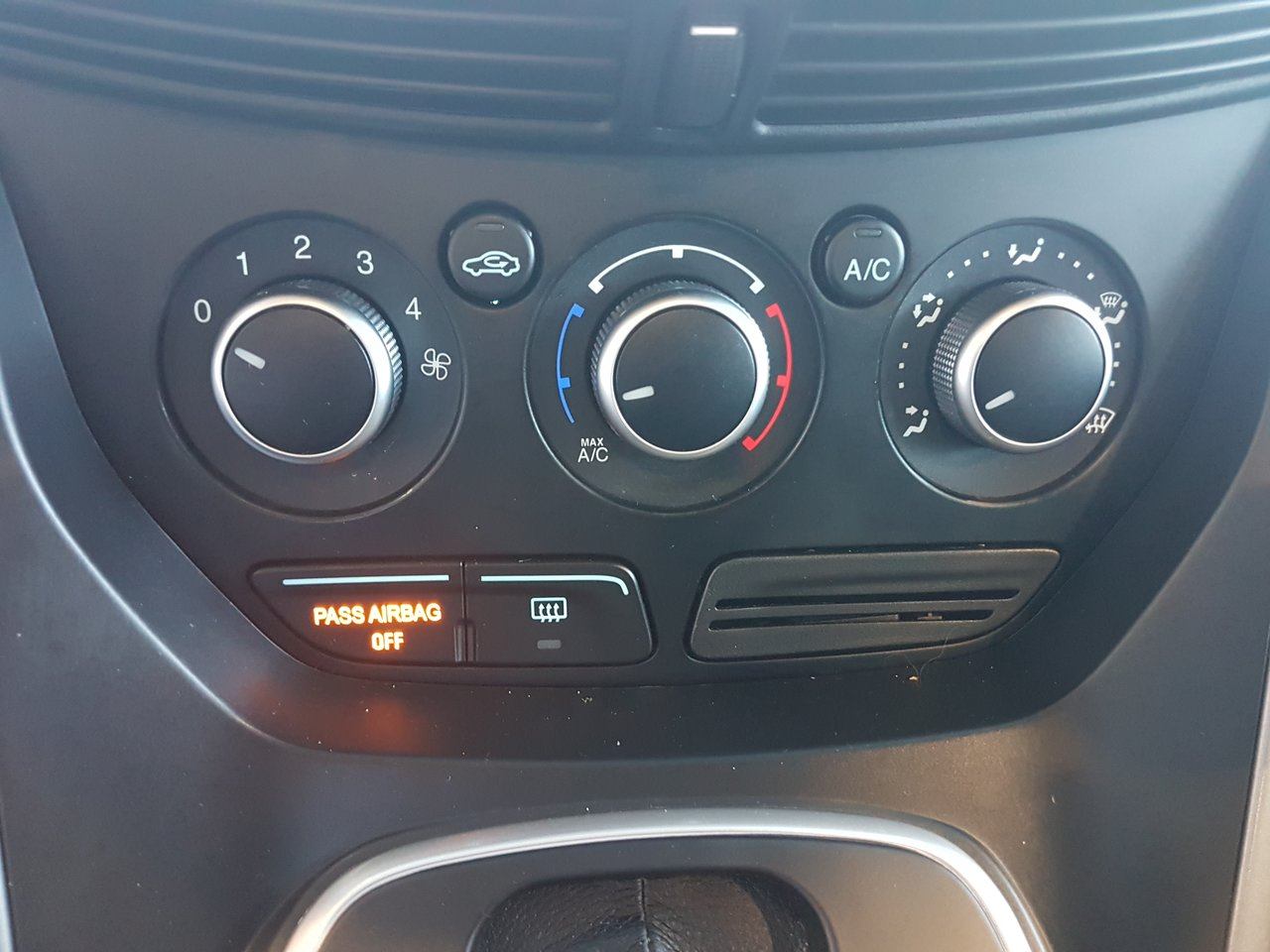 Photo Ford Escape SO MUCH SPACE!!! SE! 2013