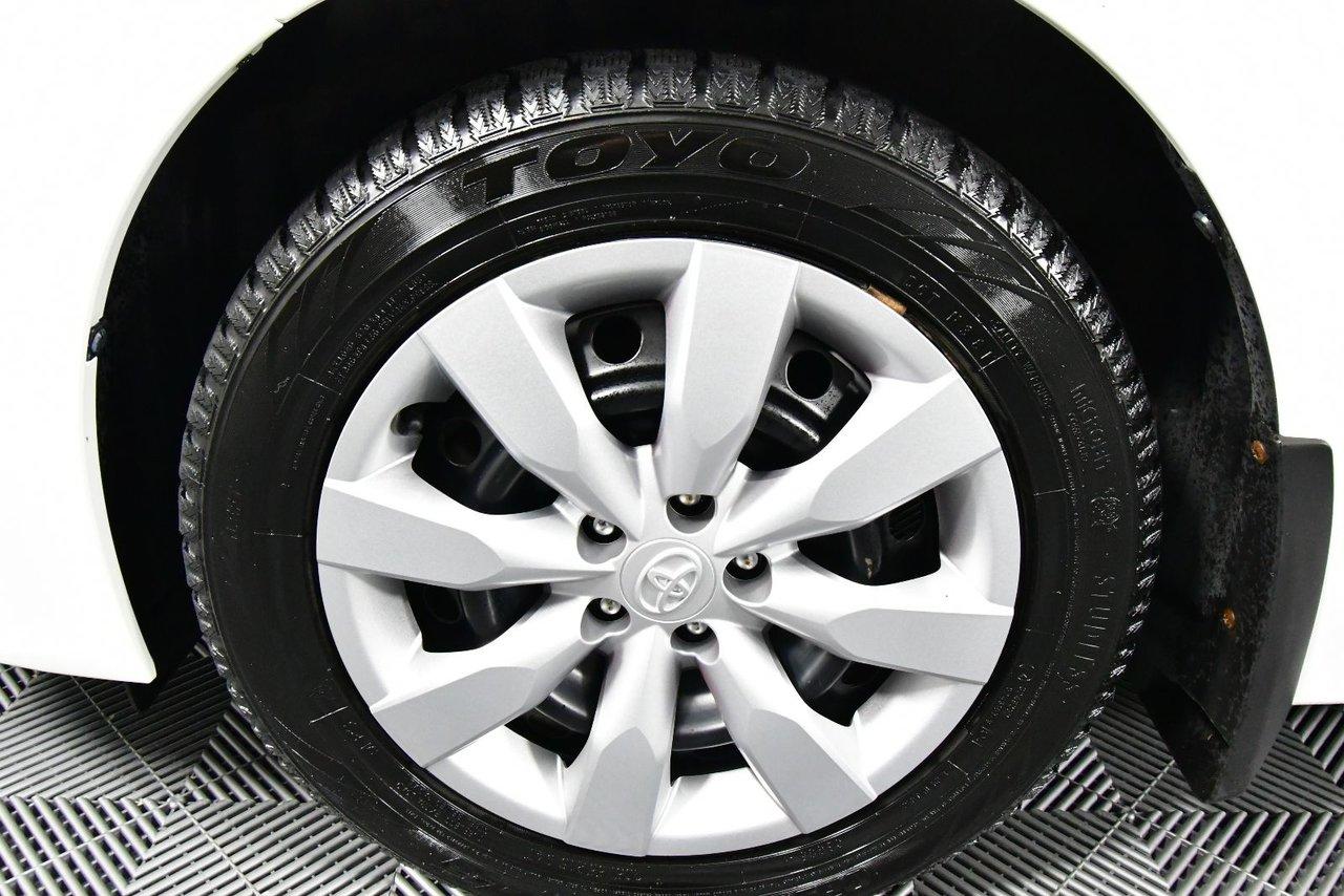 Photo Toyota Corolla S. New MVI. Fuel Economy. 2014