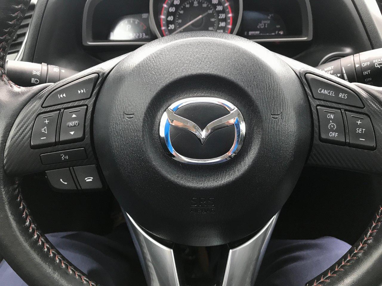 Photo 2014 Mazda 3 Sport SUNROOF! HEATED SEATS! $53/WK TAX IN!!! SUNROOF! HEATED SEATS! $53/WK TAX IN!!!