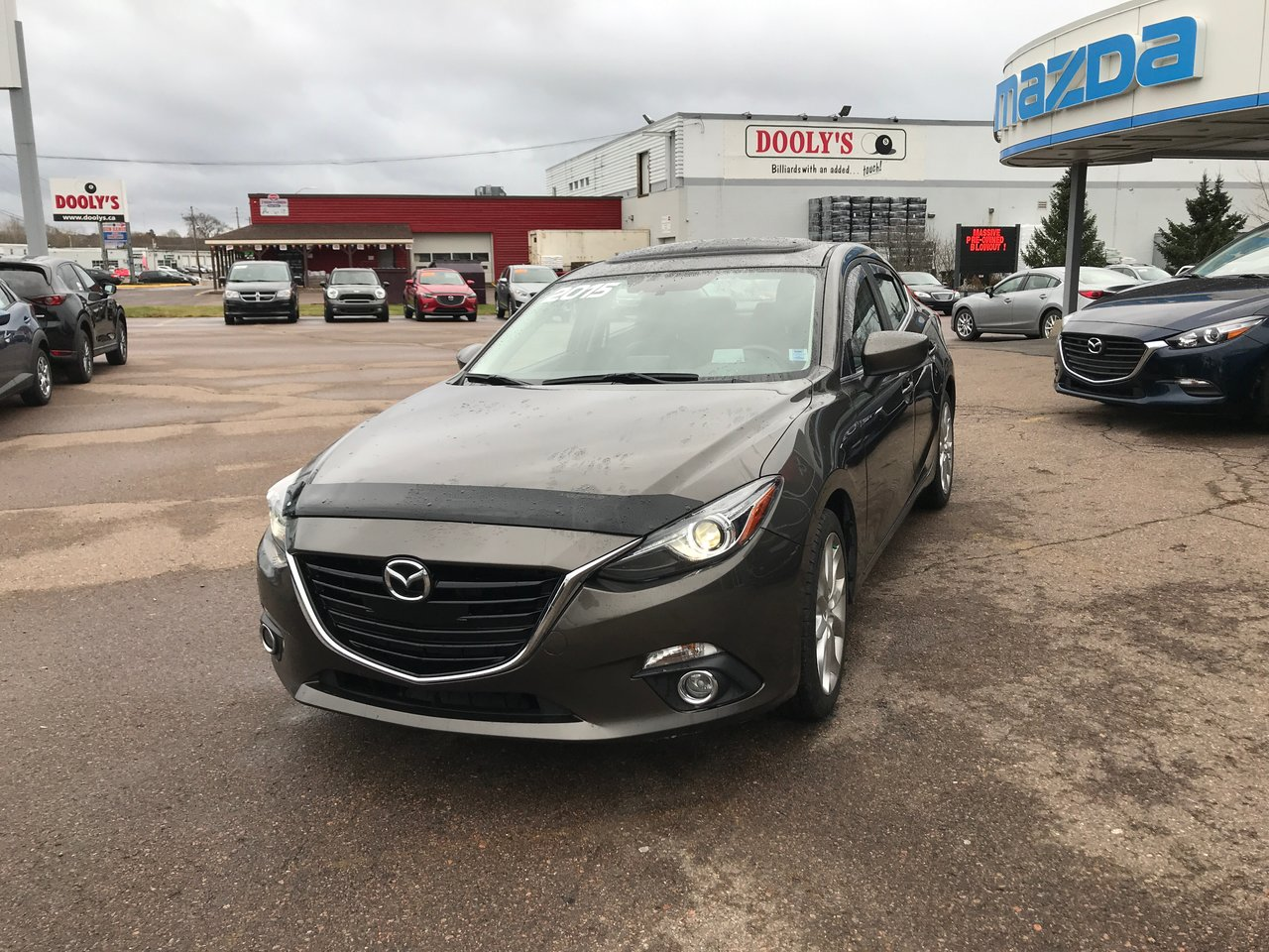 Photo 2015 Mazda Mazda3 GT! BOSE! LEATHER! NEW TIRES! GT! BOSE! LEATHER! NEW TIRES!