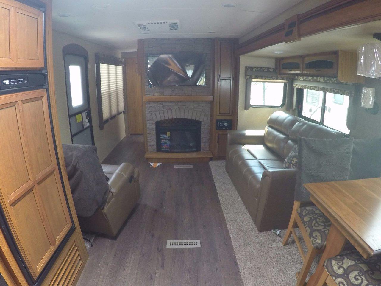 Starcraft Autumn Ridge 336FKSA 2017