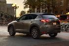 Mazda CX-5 versus Toyota RAV4 : le plaisir et l'efficacité - 1