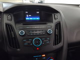 Ford Focus 2016 SE,  hatchback, bluetooth, régulateur