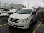 2013 Honda Odyssey LX - TONS OF SPACE! LOW KM'S! SAFE!!! COMFORTABLE!