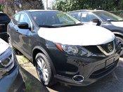 2018 Nissan Qashqai SV AWD (2) * Huge Demo Savings!