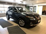 2016 Nissan Rogue SV AWD TECH PACKAGE  *ACCIDENT FREE*