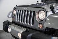 Jeep Wrangler Unlimited SAHARA/ NAVI / 2 TOITS / 2 ENS ROUES 2014