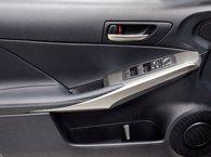 2017 Lexus IS 300 F SPORT II AWD; TOIT GPS ANGLES MORTS