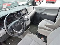 2015 Toyota Sienna CE 7 PASSAGER