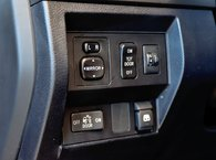 2017 Toyota Tundra SR5 5.7L V8 CrewMax 4WD