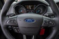 Ford Focus SE BLACK FRIDAY: 4 PNEUS D'HIVER* 2016