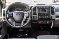 Ford SUPER DUTY F-350 À ROUES ARRIÈRE SIMPLES XLT 2017