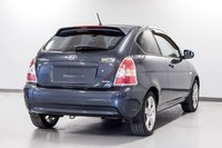2010 Hyundai Accent GLS/ A/C, MAGS  LE CENTRE DE LIQUIDATION VALLEYFIE
