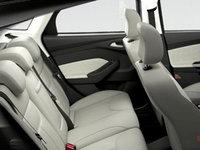 2016 Ford Focus Hatchback TITANIUM | Photo 2 | Medium Soft Ceramic Unique Leather