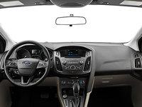 2018 Ford Focus Hatchback SE | Photo 3 | Medium Light Stone Premium Cloth