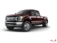 2018 Ford Super Duty F-450 XLT | Photo 3 | Magma Red