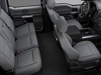 2018 Ford Super Duty F-450 XLT | Photo 2 | Medium Earth Grey Cloth, Luxury Captain's Chairs (2S)