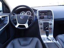 Volvo XC60 AWD 2012 {4}