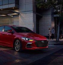 2017 Hyundai Elantra Sport: smiling behind the wheel
