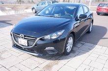 Photo Mazda 3 Only 50k! Bluetooth! Back-Up Cam! Push Start! 2015