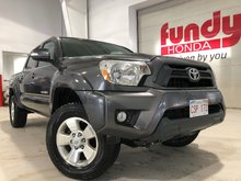 2015 Toyota Tacoma V6, Leather seats, Short Bed, OFF-ROAD
