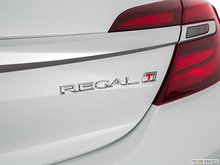 2017 Buick Regal Sportback BASE | Photo 44