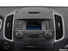 2018 Ford Edge SE   Photo 12