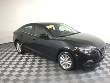 2014 Mazda Mazda3 GS Bluetooth Heated Seats Warranty 1.99% Financingeats Warranty 1.99% Financing