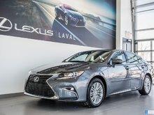 2016 Lexus ES 350 Toit ouvrant-sièges cuir chauffant.