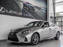 2017 Lexus IS 300 AWD.Taux a compter de 1.9%