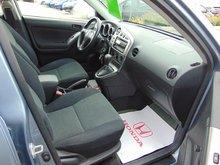 Toyota Matrix XR AC AUTO MAGS BAS KM 2004 AUTO AC MAGS BAS KM 8 PNEUS