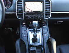 2015 Porsche Cayenne S LOCAL LOWEST KMS ON THE MARKET